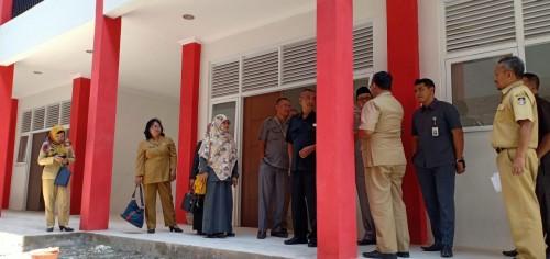 Komisi I DPRD Kota Blitar saat mengecek progres pembangunan SMPN 3