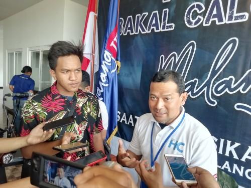 Hari Cahyono, calon bupati Malang Jejeg, saat menyampaikan acara konvensi balon wabup-nya. (dd Nana)