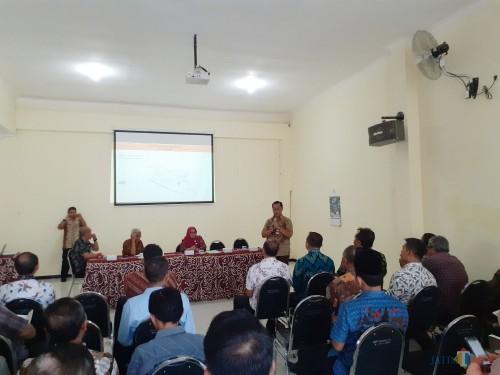 Suasana paparan proyek oleh DPUPRPKP di Kecamatan Blimbing Kota Malang. (Arifina Cahyanti Firdausi/MalangTIMES)