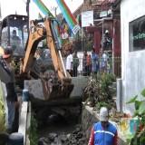 Normalisasi Saluran Air di Kelurahan Sisir, Pemkot Batu Terjunkan Alat Berat