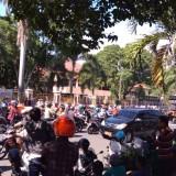 Pagar Nusa dan Aktivis Demo Tuntut Sekda Bondowoso Dipecat