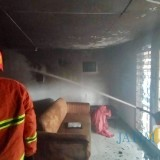 Asyik Bermain Korek Api, Ruang Tamu Rumah Habis Terbakar