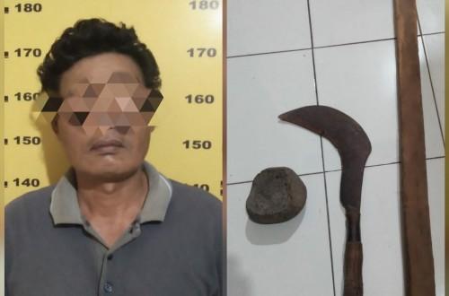 Pelaku Khoirudin dan barang bukti yang diamankan polisi. (Foto: Dokpol / Tulungagung TIMES)