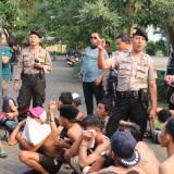 Puluhan Remaja Kocar-kacir, Polisi Gropyok Balap Liar di Kawasan GOR Ken Arok