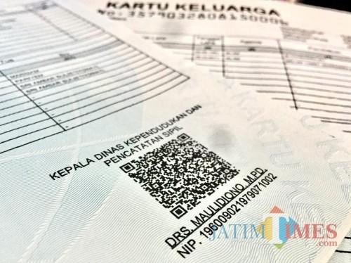 Tandatangan elektronik pada Kartu Keluarga. (Foto: Irsya Richa/MalangTIMES)