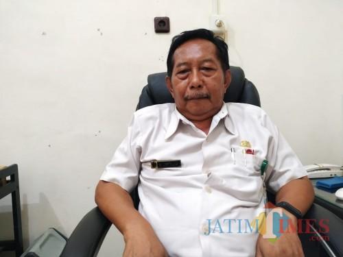 Kadisdukcapil Kabupaten Tulungagung, Justi Taufik Saat di kantornya / Foto : Anang Basso / Tulungagung TIMES