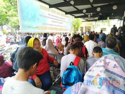 Jam Kerja Dibuka, Pelayanan KTP-el di Disdukcapil Tulungagung Malah Tutup