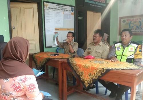 Tingkatkan Layanan Adminduk, Dispendukcapil Pemkab Blitar Jemput Bola ke Desa Kedungwungu
