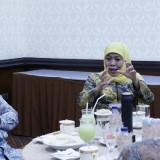 Audiensi dengan OJK, Gubernur Khofifah Harap Bank Wakaf Mikro Lebih Dimasifkan
