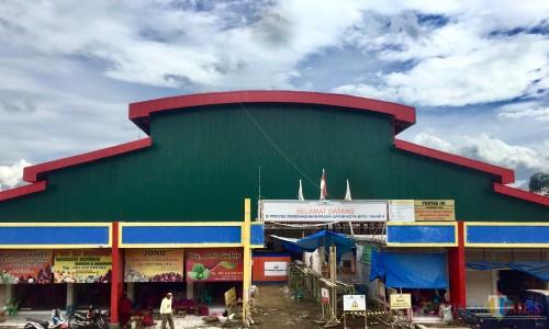 Pasar sayur tengah dalam proses pembangunan di di jalan Dewi Sartika, Kelurahan Temas, Kecamatan Batu. (Foto: Irsya Richa/MalangTIMES)