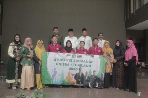 Unisba Blitar Kirim 4 Mahasiswa Belajar ke Thailand
