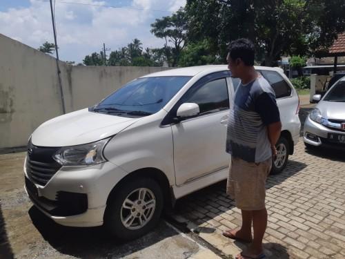 Barang bukti mobil yang digelapkan oleh tersangka (Foto : Polsek Wonosari for MalangTIMES)