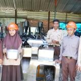 Kreatif, Siswa Madrasah Menyulap Tomat Jadi Snack dan Mie