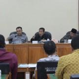 Bakal Dihapus, Puluhan Honorer Datangi Kantor Dewan Trenggalek