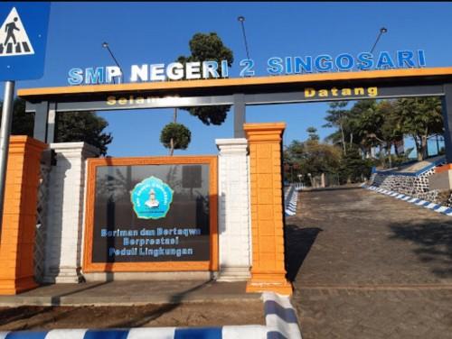 Pintu masuk SMPN 2 Singosari (Foto : Istimewa)