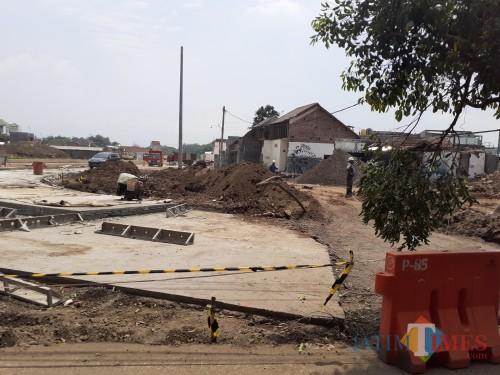 Progress pembangunan seksi V tol Mapan di kawasan Kelurahan Madyopuro (Arifina Cahyanti Firdausi/MalangTIMES)