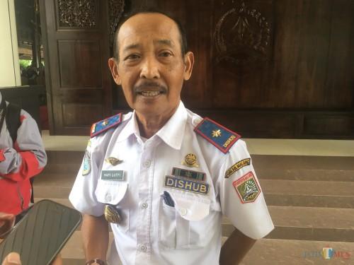 Kepala Dinas Perhubungan (Dishub) Kabupaten Malang, Hafi Lutfi, saat menjelaskan tentang potensi banyaknya parkiran liar (Foto : Ashaq Lupito / MalangTIMES)