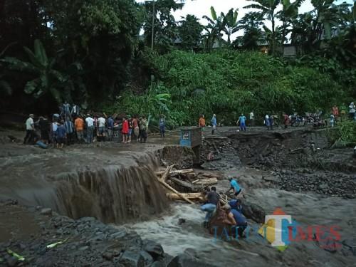 Banjir Bandang di Dusun Barurejo, Desa Krisik, Kecamatan Gandusari, Kabupaten Blitar. (Foto: Dokumen BlitarTIMES)