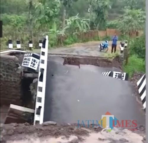Kondisi jembatan Dau setelah ambrol (dok MalangTimes)