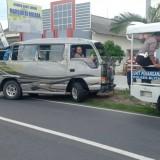 Laka Lantas Minibus VS  Pickup di Blitar, Satu Pelajar Tewas