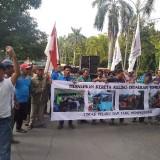 Puluhan Sopir Angkudes Demo di Pendopo Jombang, Berikut Tuntutannya