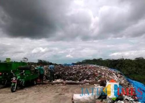 Suasana di TPA Talangagung Kepanjen yang masih memakai metode Controlled Landfill dalam pengelolaan sampahnya (dok MalangTimes)