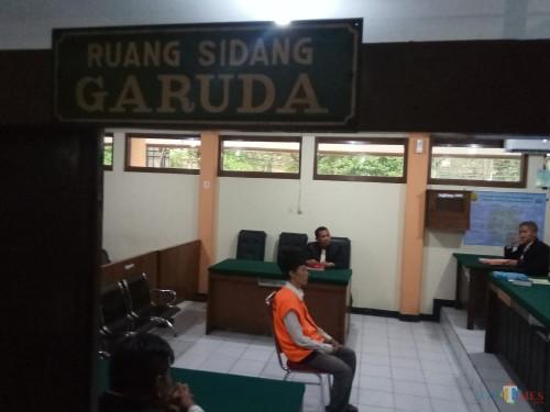 Sugeng Santoso saat menjalani persidangan dengan agenda pembacaan tuntutan (Anggara Sudiongko/MalangTIMES)