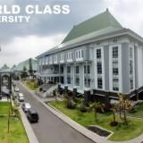 Tak Sekadar Slogan Bilingual University, UIN Malang Beri Kursus Bahasa Asing untuk Karyawan