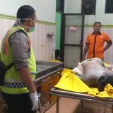 Mayat Laki-Laki Setengah Bugil Ditemukan di Sungai Brantas di Jombang