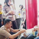 Peduli Penyandang Disabilitas, Polres Blitar Beri Bantuan Kaki Palsu