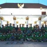 Keluar sebagai Juara Umum, Gubernur Khofifah Ajak Atlet Pagar Nusa Pesta Durian