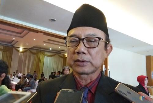 Plt Ketua PDIP Kabupaten Kediri Budi Sulistyono saat memberikan keterangan kepada awak media. (eko Arif s /JatimTimes)