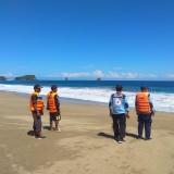 15 Mahasiswa Diterjang Ombak Pantai Balekambang, 2 Orang Sempat Dinyatakan Hilang