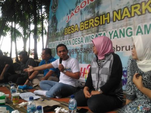 Bupati Lumajang dalam acara Jagong Wisata bersama FKWL (Foto : Moch. R. Abdul Fatah / Jatim TIMES)