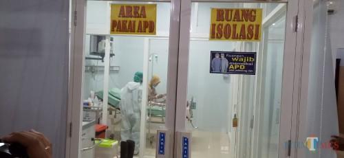 pasien suspect corona di rawat di ruang isolasi RSUD dr. Iskak (Joko Pramono for Jatim Times)