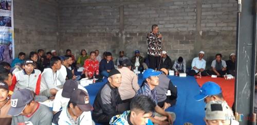 Koordinator Kelompok Petani Kecamatan Ijen H Anik (Foto muhlis/jatimtimes)