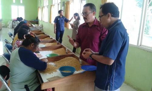Rombongan Unikama saat berkunjung ke Balitkabi. (ist)