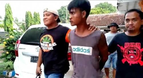 Salah satu DPO pelaku penganiayaan hingga menewaskan korban saat diringkus tim Dobrak Satreskrim Polres Jember. (Foto: Istimewa)