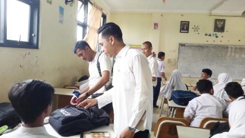 Operasi handphone pelajar