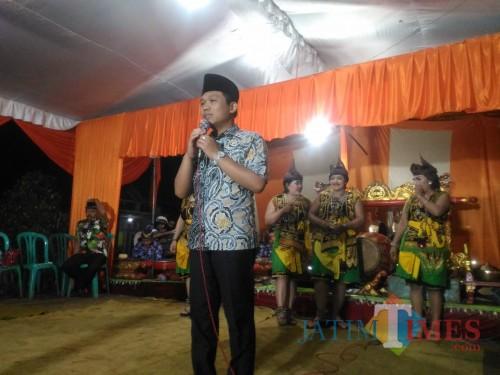 Bupati Lumajang H. Thoriqul Haq ketika berada di Bedayu Talang Senduo (Foto : Moch. R. Abdul Fatah / Jatim TIMES)