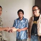Korban Banjir, Fraksi PKS Salurkan Bantuan pada Warga Perumahan Piranha Village Tunjungsekar