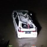 Minibus Terjun ke Sungai: Satu Penumpang Tewas,  4 Orang Luka-Luka