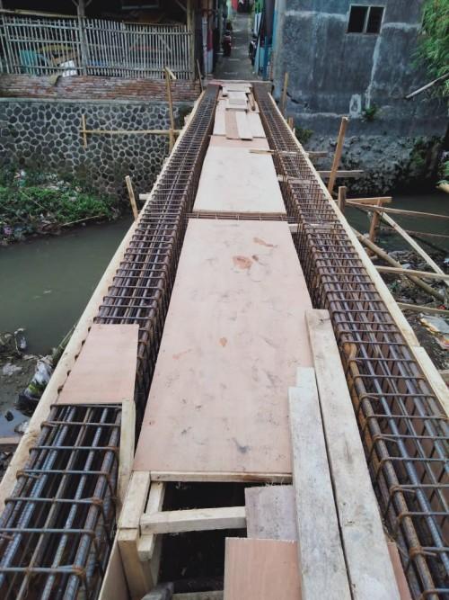 Konstruksi Jembatan Pandanwangi sebelum hanyut terseret banjir. (Istinewa)