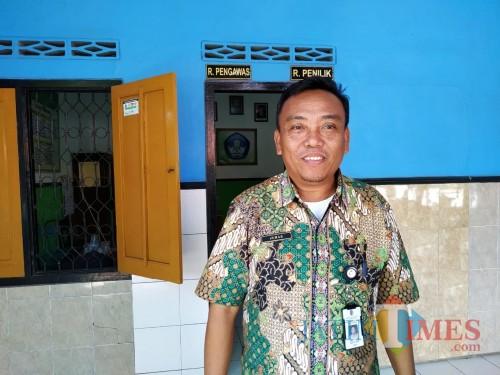 Jumarli Kasek SD Negeri 3 Besole / Foto : Anang Basso / Tulungagung TIMES