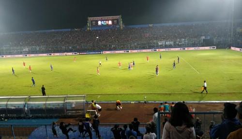Suasana pertandingan Arema FC melawan Persija di babak pertama (Hendra Saputra)
