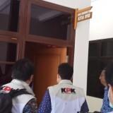6 Petugas KPK Periksa Ruang Ketua dan Sekretaris DPRD Tulungagung