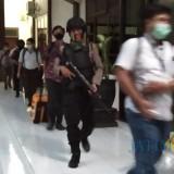 6 Jam Di Kantor DPRD, Penyidik KPK Bawa 5 Koper dan 3 Dus Berkas