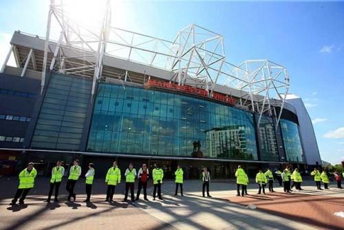 Ilustrasi penjagaan di luar stadion. (Foto: Istimewa)