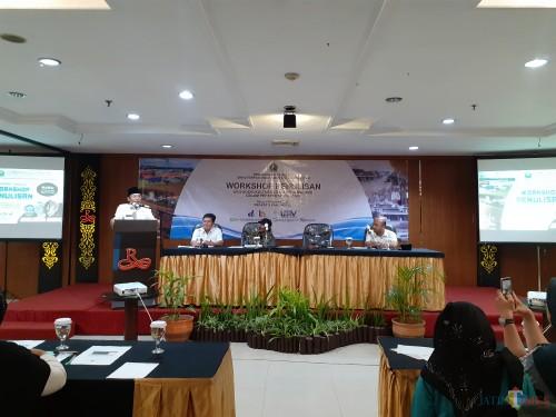 Suasana Workshop Penulisan Konten Lokal yang digelar Dinas Perpustakaan Umum dan Arsip Daerah Kota Malang, Rabu (19/2). (Arifina Cahyanti Firdausi/ MalangTIMES)