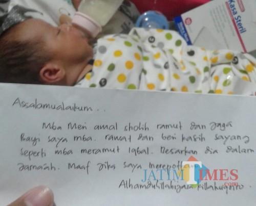 Bayi laki-laki dan surat yang ditinggalkan orang tuanya. (ist)